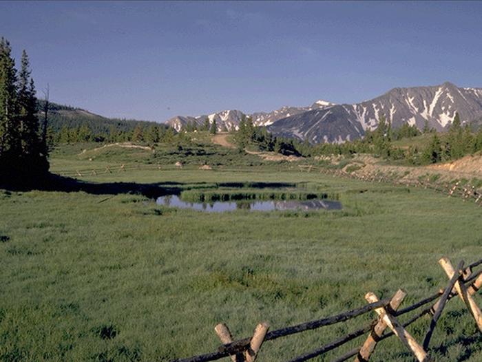 Cache La Poudre Pass