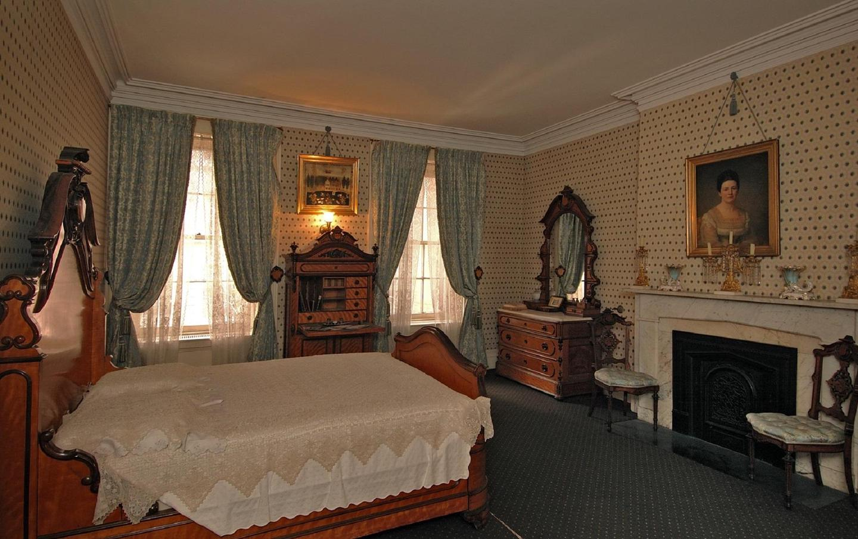 Master BedroomMaster bedroom, where TR was born