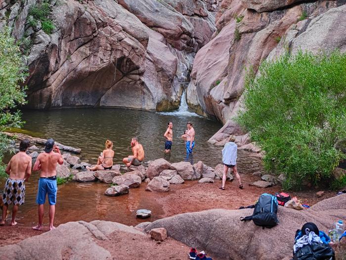 People swimmingPeople Swimming