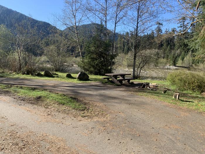campsite and picnic tablecampsite A 25