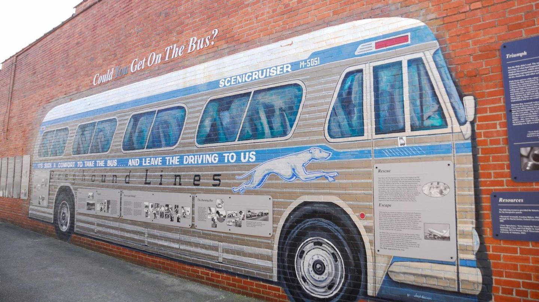 Greyhound MuralGreyhound mural at the Anniston Greyhound Bus Depot.