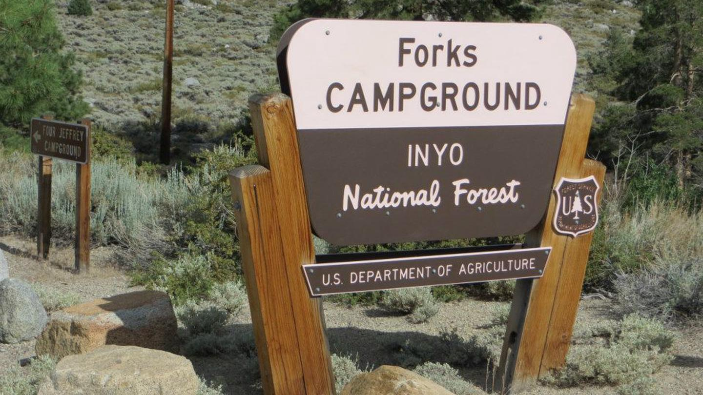 Entrance sign to Forks Campground