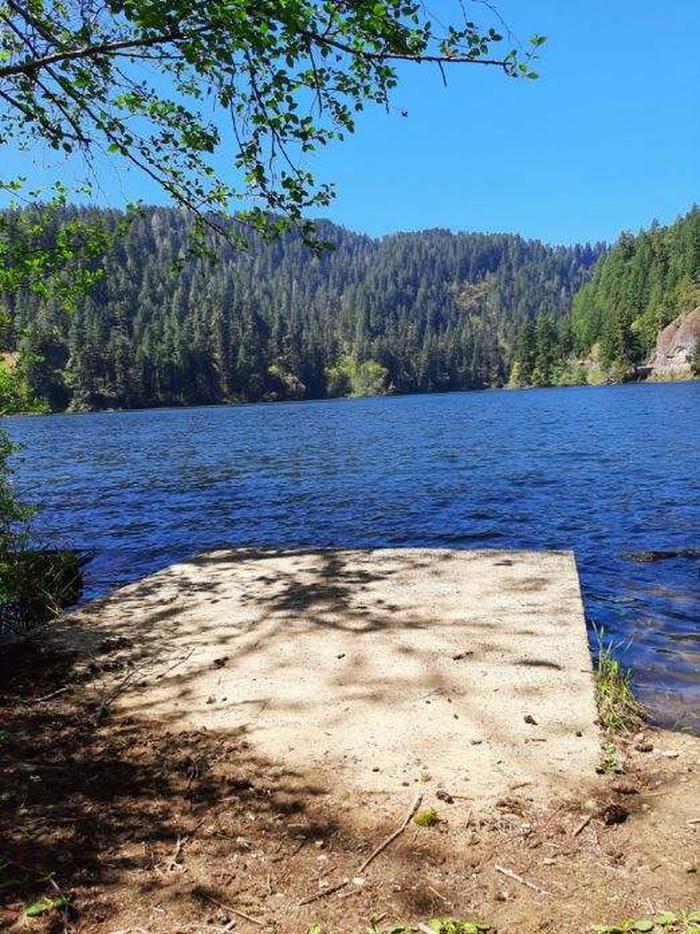 East Shore kayak / Canoe LaunchEast Shore day use
