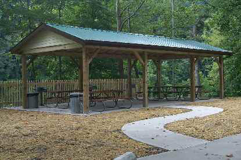 Day use shelter at leatherwood