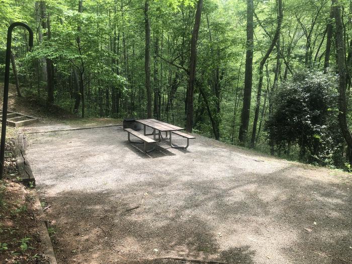 Quiet lakeside walk-up primitive site
