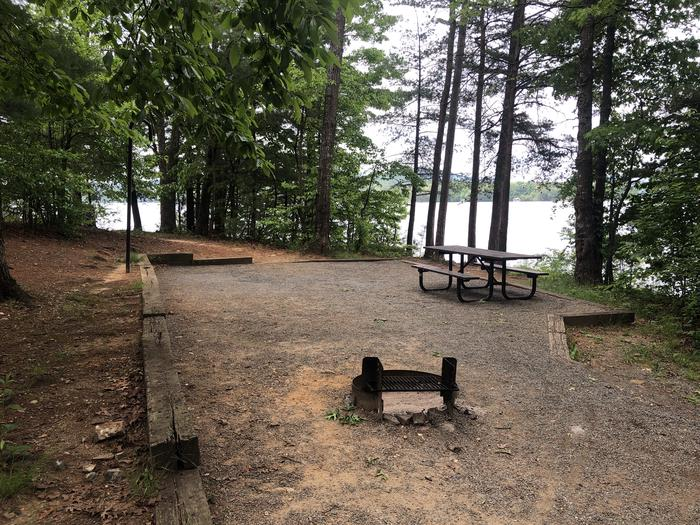 Primitive walk in site with lake view/access