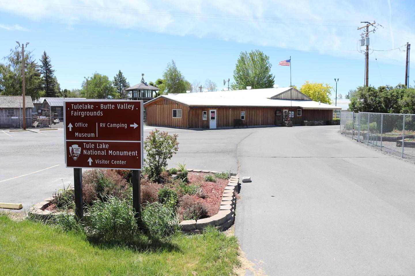 Tule Lake National Monument Visitor CenterVisitor center sign with building in the background