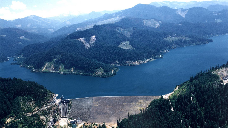 Aerial view of Hills Creek Dam and LakeHills Creek lake