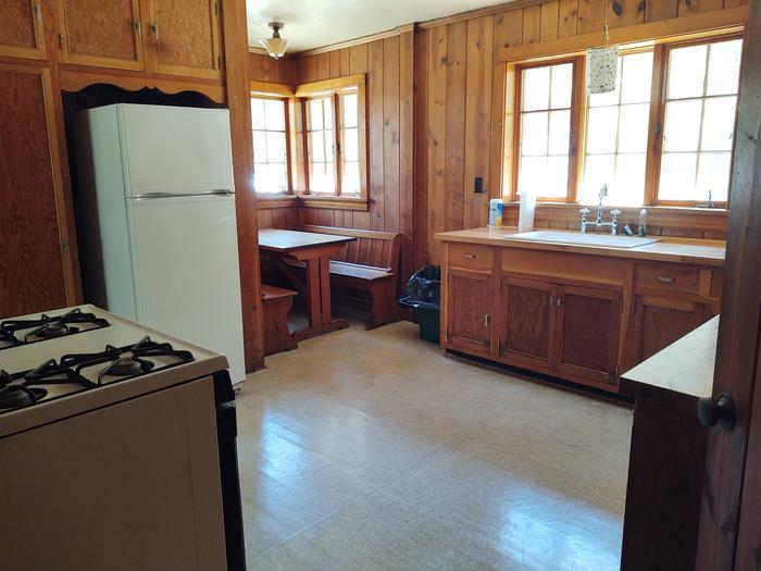 Kitchen Table and appliances