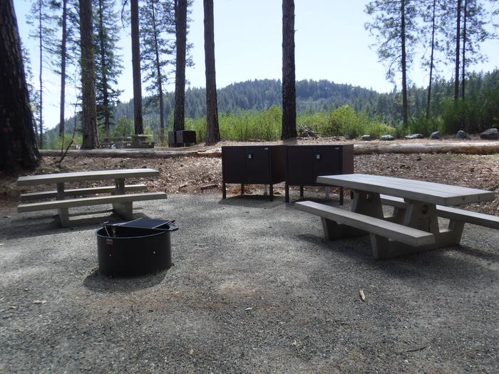 Site 7DBear boxes, tables and fire ring