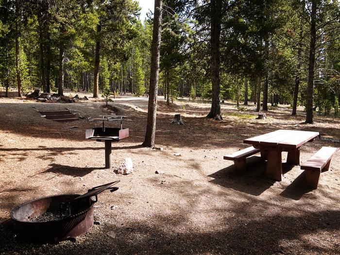 Lost Cabin Campsite
