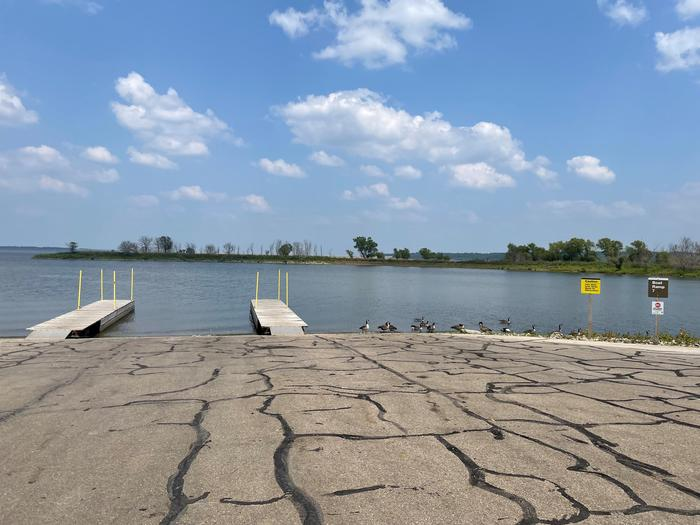 Boat Ramp 7 Boat Ramps 5, 6, and 7 are available for day use and campers located in Bloomington East Park.