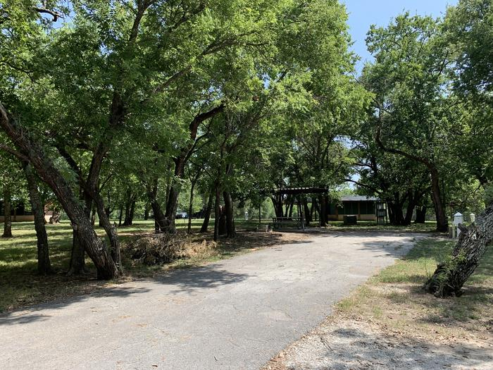 A photo of Site 017 of Loop PPAT at Holiday (Texas) with Picnic Table, Electricity Hookup, Water Hookup