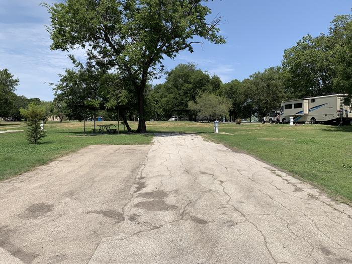 A photo of Site 004 of Loop PPAT at Holiday (Texas) with Picnic Table, Electricity Hookup, Water Hookup