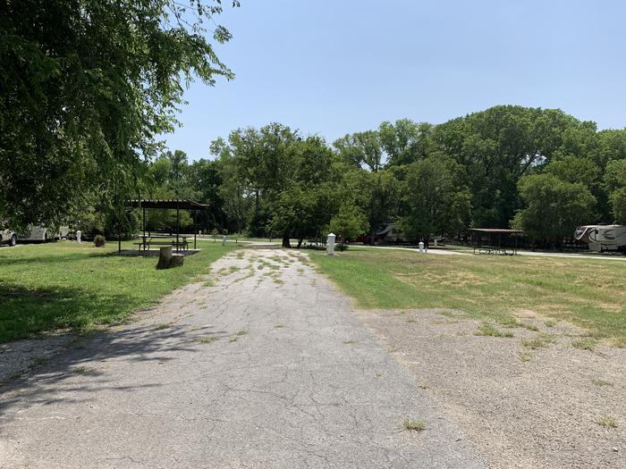 A photo of Site 030 of Loop PPAT at Holiday (Texas) with Picnic Table, Electricity Hookup, Water Hookup