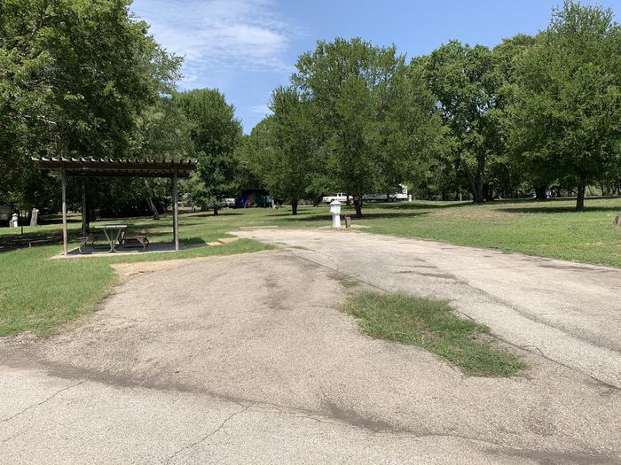 A photo of Site 008 of Loop PPAT at Holiday (Texas) with Picnic Table, Electricity Hookup, Water Hookup