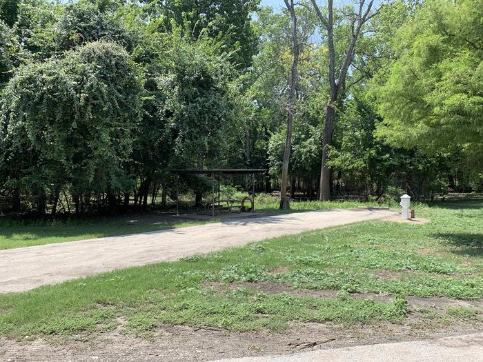 A photo of Site 007 of Loop PPAT at Holiday (Texas) with Picnic Table, Electricity Hookup, Water Hookup
