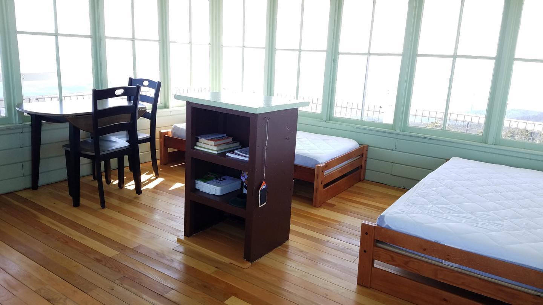 Meadow Peak Lookout Interior - Beds