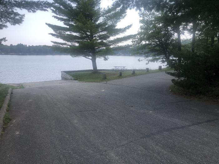 A photo of facility ROUND LAKE with Boat Ramp, Picnic Table