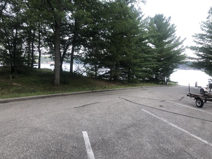 A photo of facility ROUND LAKE with Boat Ramp