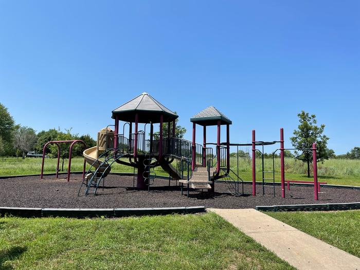 Playground located between Hickory and Walnut Campground