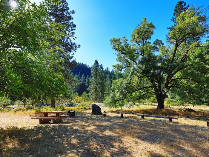 McCloud CampgroundCampsite