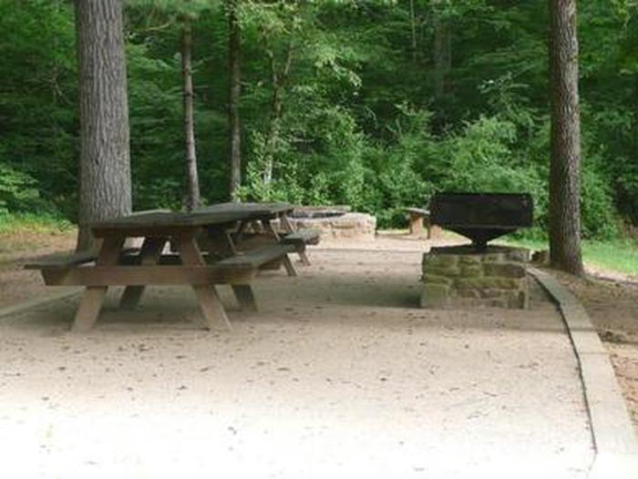 Preview photo of Cave Mountain Lake Group Picnic Shelter