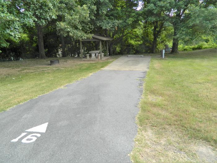 Wilbur D. Mills 16 Driveway