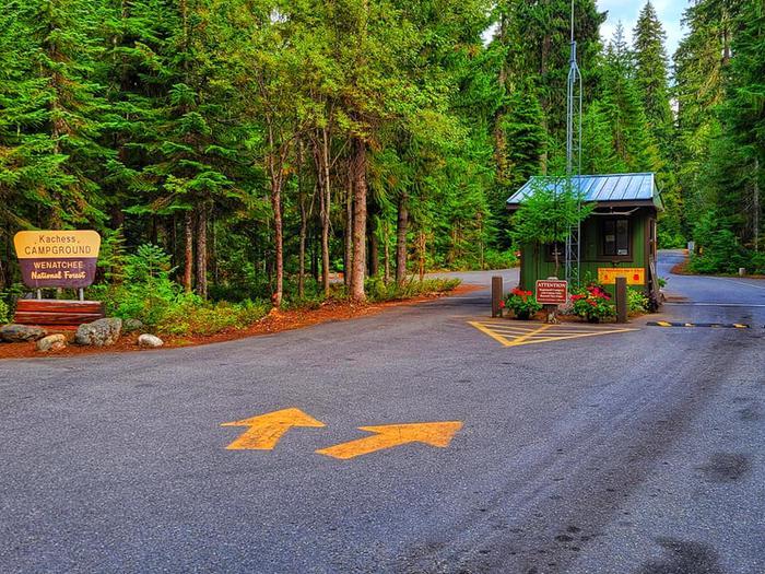 Kachess campground entranceKachess Campground