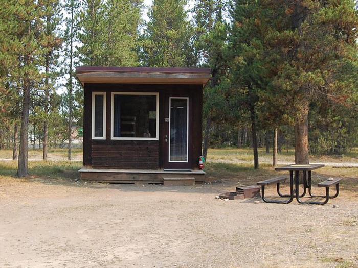 Exterior Camper Cabin 102