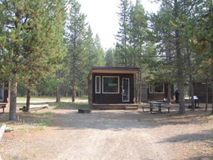 Exterior Camper Cabin 109