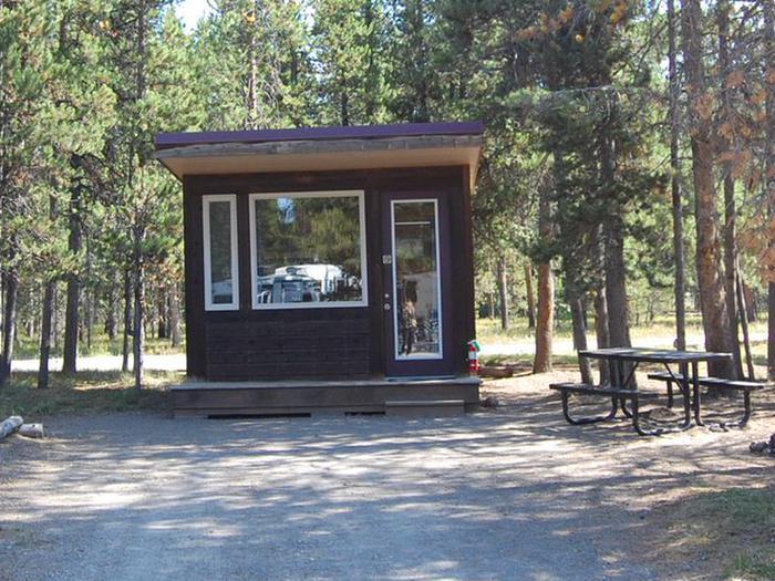 Exterior Camper Cabin 112
