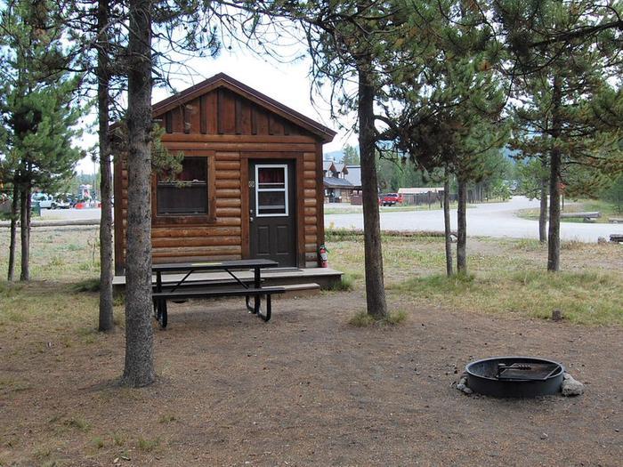 Exterior Camper Cabin 201