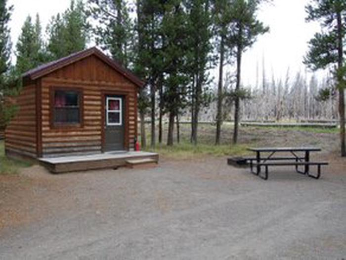 Exterior Camper Cabin 209