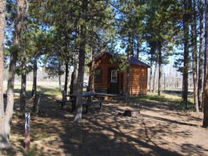 Exterior Camper Cabin 215