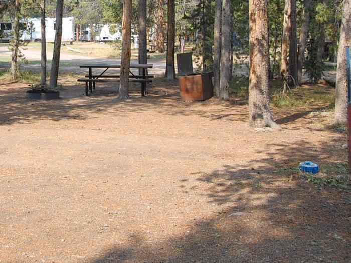 Exterior Tent 405
