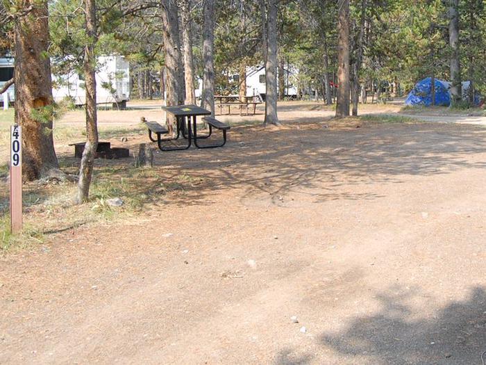 Exterior Tent 409