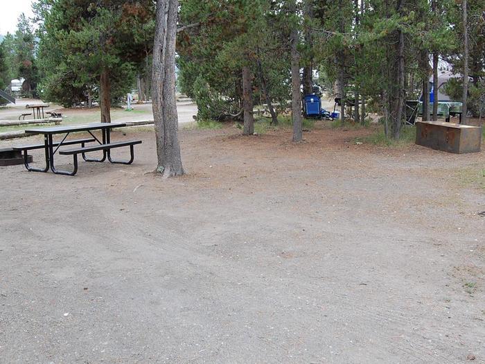Exterior Tent 432