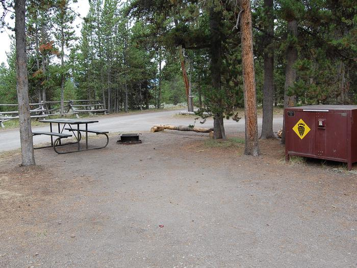 Exterior Tent 509