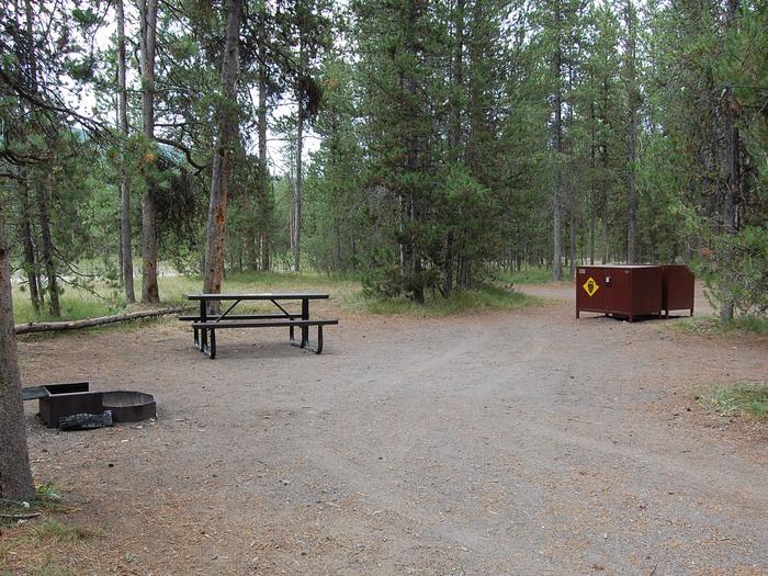 Exterior Tent 705