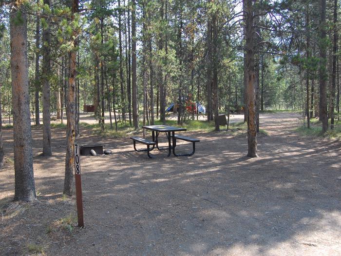 Exterior Tent 708