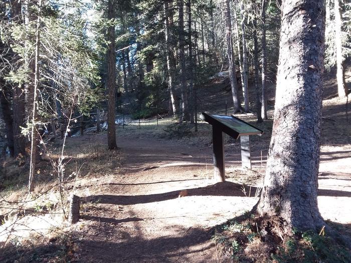 Site trail for Santa Barbara campgroundSite trail for Santa Barbara Campground