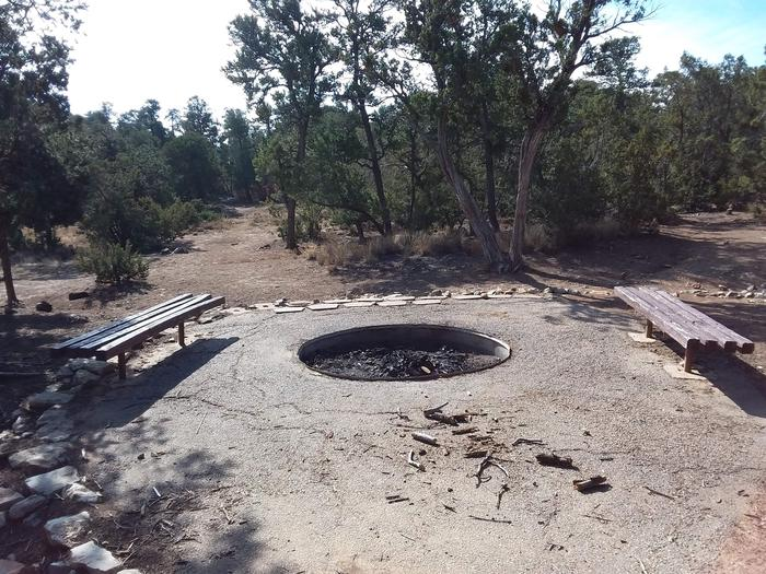 Jay Campsite Firepit with Benches