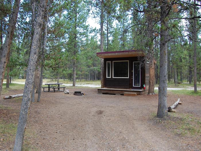Exterior Camper Cabin 106