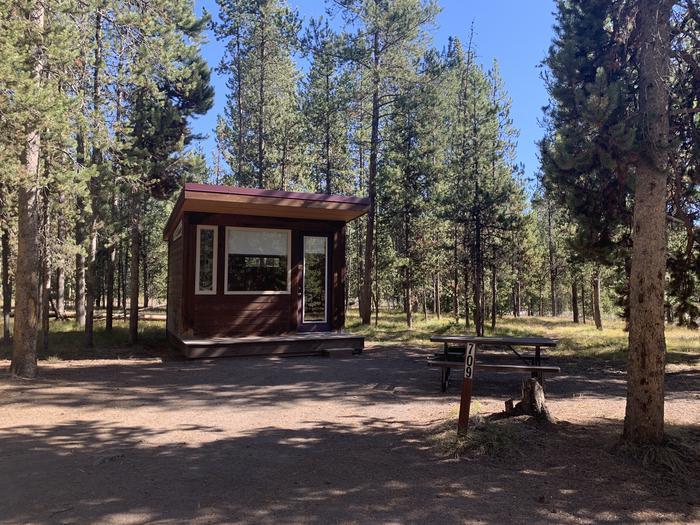 Camper Cabin Site 709 Exterior