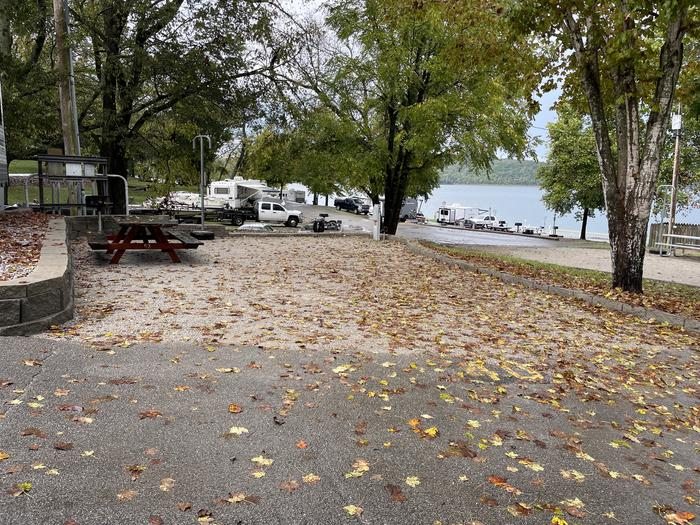 A photo of Site 040 of Loop TCLP at FLOATING MILL PARK with Picnic Table, Electricity Hookup, Water Hookup