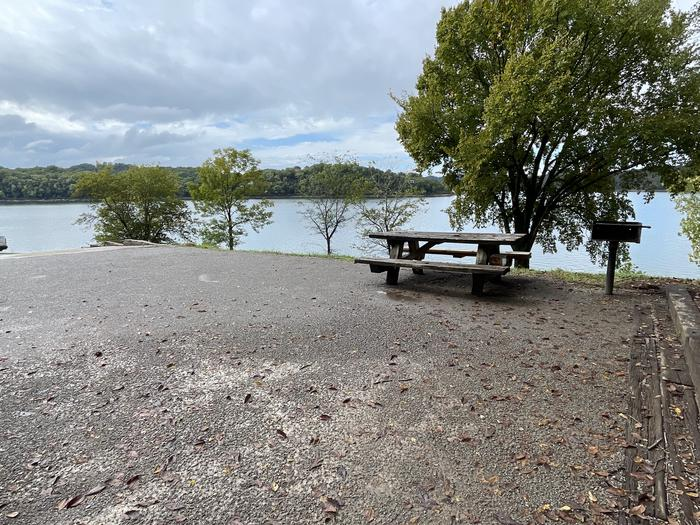 A photo of Site 078 of Loop FMIP at FLOATING MILL PARK with Picnic Table, Electricity Hookup, Fire Pit, Water Hookup