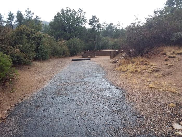 Yavapai Campsite 19 paved parking space