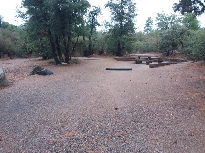 Yavapai Campsite 21 paved parking space