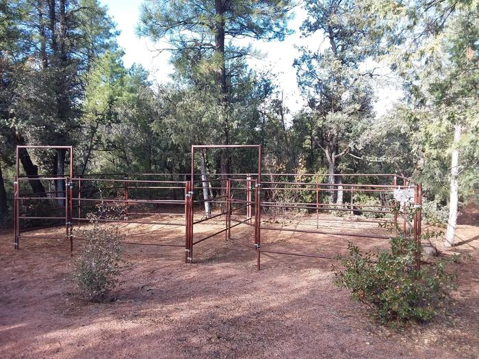 Houston Mesa, Horse Camp site #04 horse corral.Houston Mesa, Horse Camp site #04